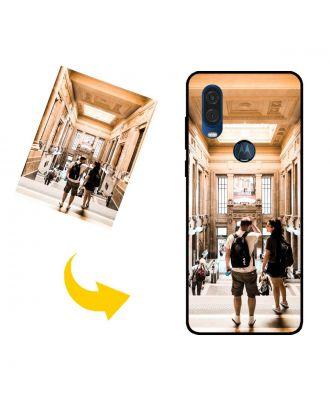 Mukautettu Motorola One Vision puhelinkotelo, jossa on oma suunnittelu, valokuvat, tekstit jne.