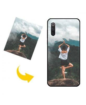 Mittatilaustyönä tehty Xiaomi Mi 9 Pro puhelinkotelo, jossa on oma muotoilusi, valokuvasi, tekstisi jne.